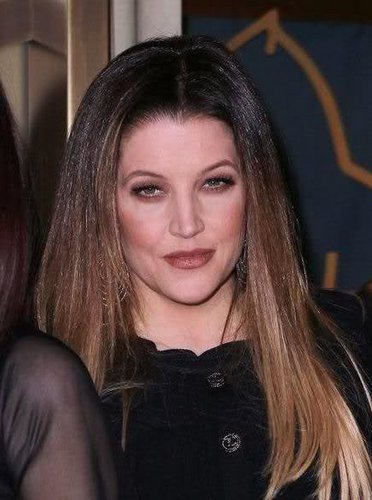Lisa Marie Presley fond d'écran containing a portrait titled Lisa Marie Presley 2011