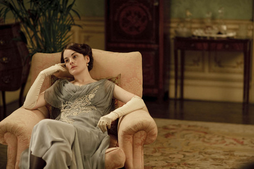 Downton Abbey wallpaper possibly containing a living room, a family room, and a drawing room entitled Mary
