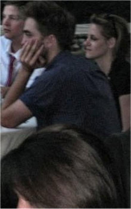 更多 New/Old Pics of Rob and Kristen - August 2010