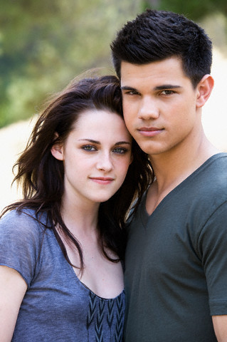New Outtakes of Kristen y Taylor for EW