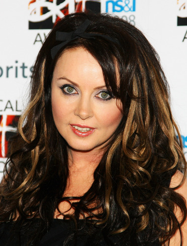Sarah Brightman karatasi la kupamba ukuta with a portrait entitled Sarah Brightman