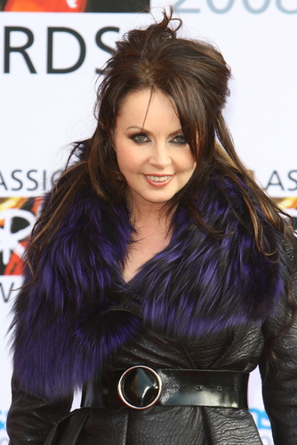 Sarah Brightman karatasi la kupamba ukuta probably containing a fur, manyoya kanzu, koti called Sarah Brightman