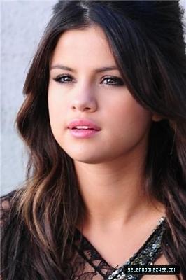 Selena Gomez Songs 2011 on Selena Shooting Music Video 2011   Selena Gomez Photo  19317830
