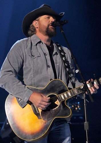 Toby Keith ACM and CMT award peformances pictures