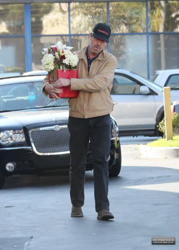 hugh laurie buying flores in los angeles, February 14, 2011
