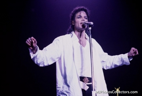man in the mirror michael jackson bad tour