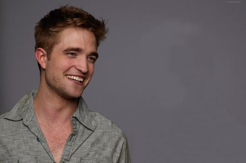 Robert Pattinson fond d'écran with a portrait called robert pattinson