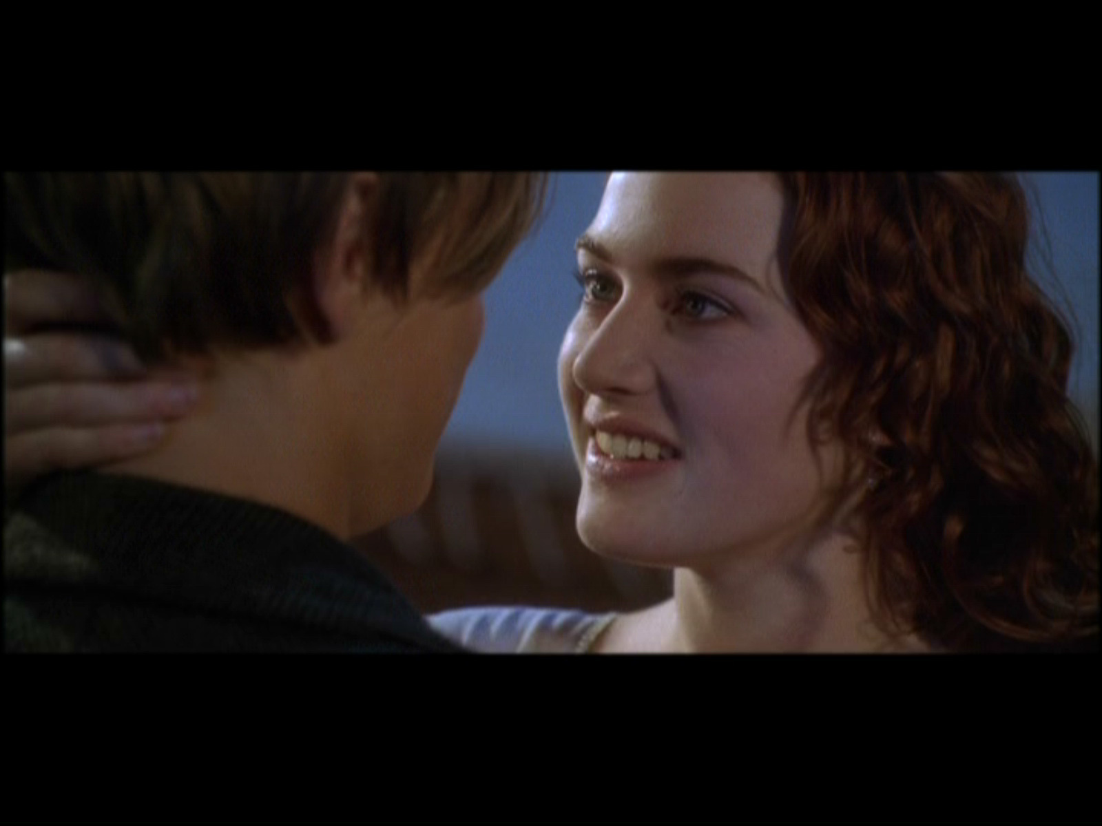 Titanic Kissing Scene Jack And Rose In Car