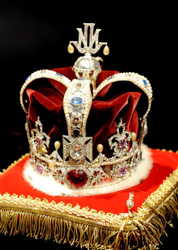Michael's crown that was in the Neverland house