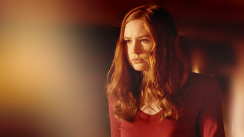 Amy Pond Обои probably containing a бюстье titled Amy Pond