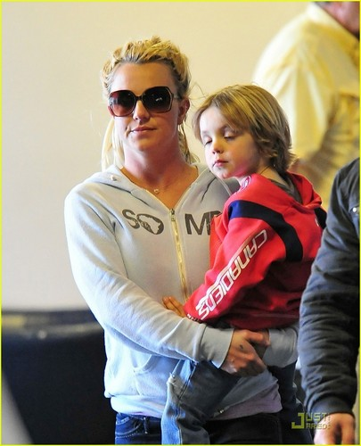 Britney Spears Leaves LAX with Jason Trawick