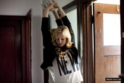 Candice (Caroline) On Nylon 2010 foto shoot
