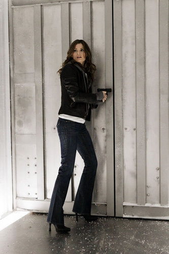 Stana Katic karatasi la kupamba ukuta probably containing a well dressed person, long trousers, and a hip boot titled Castle_3x17_Countdown_Promo pics