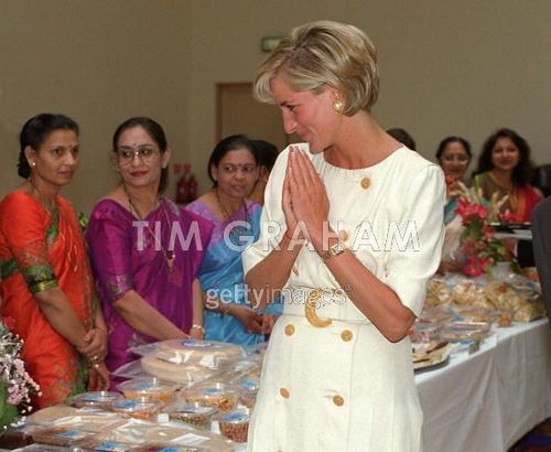 Diana Visiting The Shri Swaminarayan Mandir
