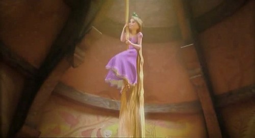 Disney's Rapunzel wallpaper called Disney Tangled Presents - RAPUNZEL
