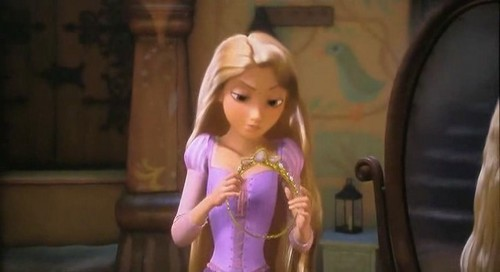 Disney Tangled Presents - RAPUNZEL