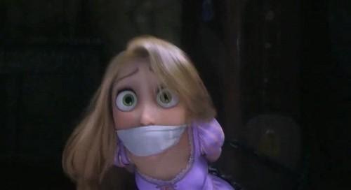 Disney Rapunzel - L'intreccio della torre Presents - RAPUNZEL