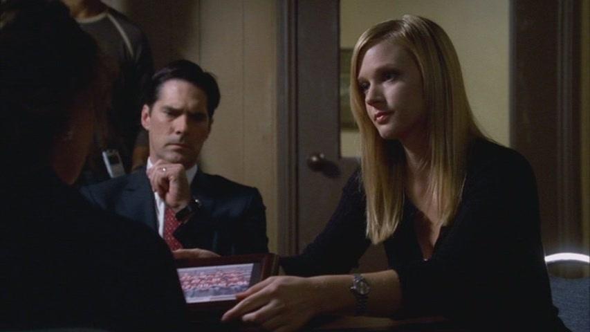 Hotch & JJ // 2x07