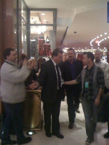Hugh Laurie at Niagara Falls concert - Backstage