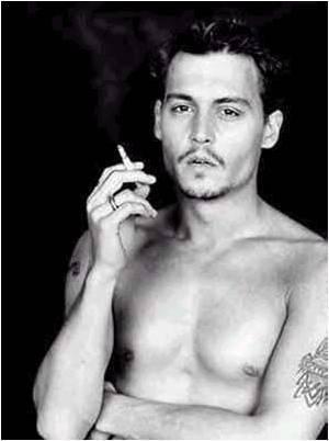 J. Depp sexy !!