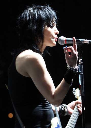 Joan Jett wallpaper possibly containing a concert and a guitarist titled Joan