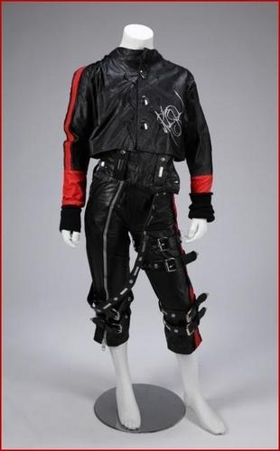 MONKEY SUIT: 'BAD' COSTUME MADE FOR MICHAEL JACKSON'S PET 'BUBBLES