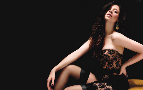 Michelle Trachtenberg (Maxim) Wallpaper - michelle-trachtenberg Wallpaper