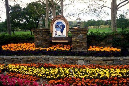 Neverland Entrance