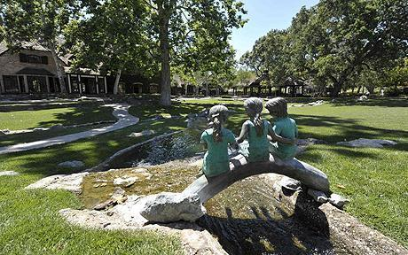 Neverland House and statues