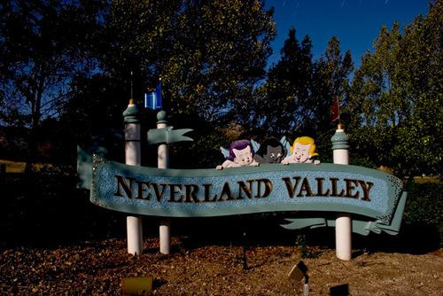 Neverland Road Sign