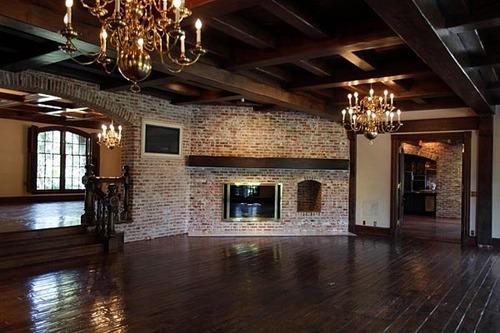 Neverland house family room