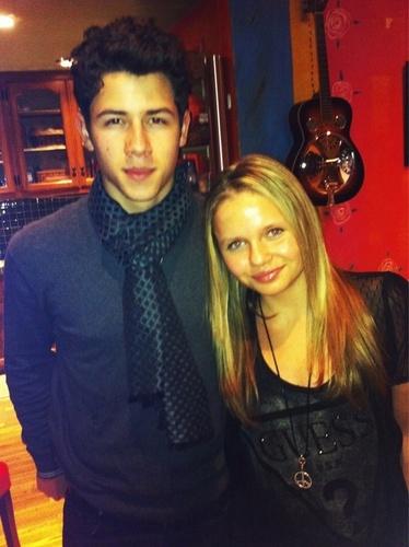 Nick& Alli Simpson:))