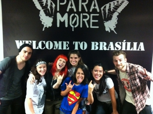 Paramore With The Winners Of The Brasilia Merch Meet & Greet!