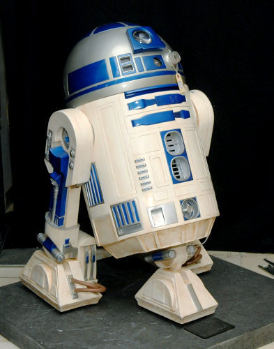 R2D2 figure in the Neverland house