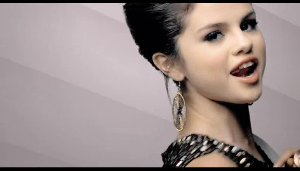 Selena gomez naturally screencaps selena gomez image 19405140 fanpop - Selena gomez naturel ...