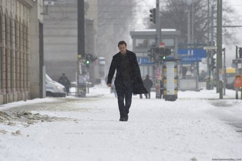 Liam Neeson wallpaper containing a street, a business suit, and a snowbank titled Unknown