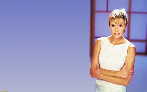 Amanda Tapping wallpaper probably containing skin titled Amanda Tapping wallpaper