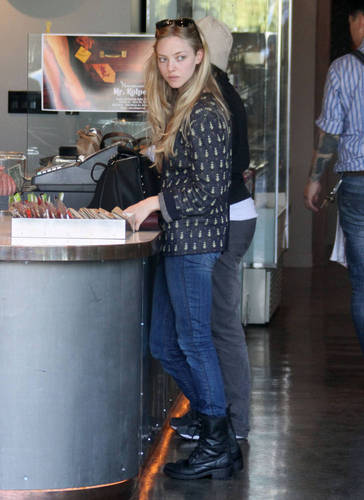 Amanda at Coffee Commissary in West Hollywood (February 21st 2011).