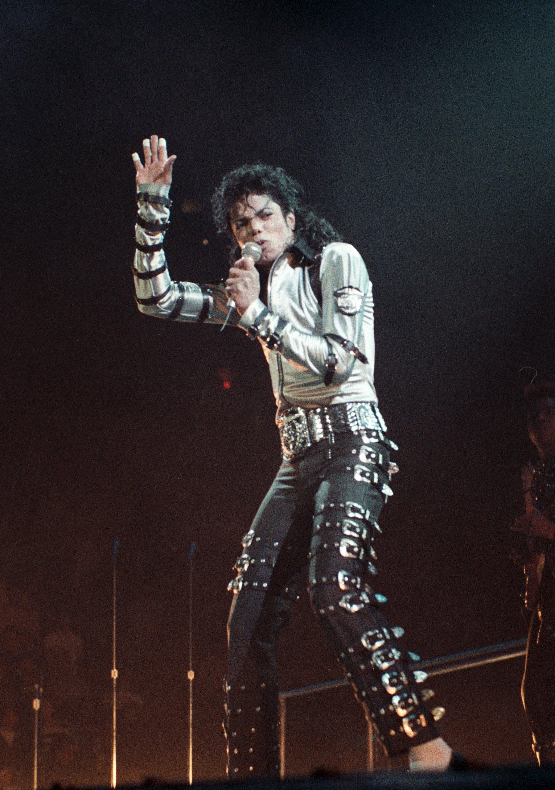 Bad Tour - Silver chemise (Second Leg)