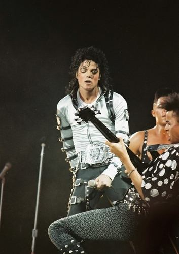 Bad Tour - Silver baju (Second Leg)