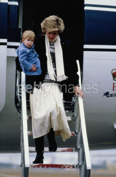 prince william and harry funeral. prince william and harry diana