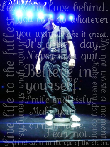 Donnie Wahlberg wallpaper probably containing a sign called Donnie <3