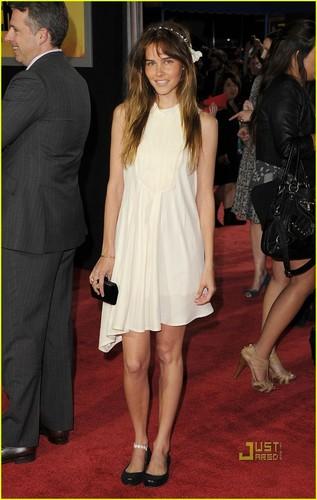 Isabel Lucas: I Am Headband Cute