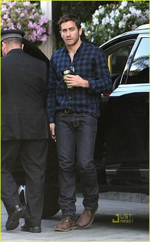 Jake Gyllenhaal is Mad for Plaid