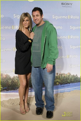Jennifer @ Just Go With It Madrid Premiere