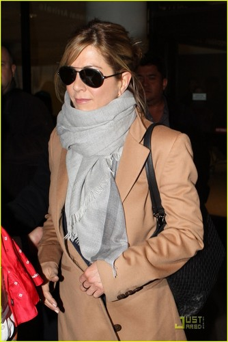 Jennifer @ LAX