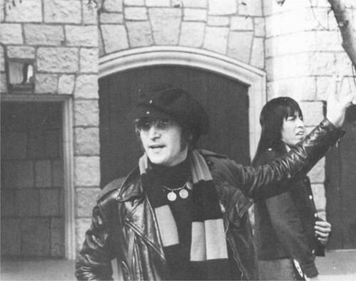 John Lennon 바탕화면 possibly with a street, 연대 복, 연대, regimentals, and a full dress uniform entitled John in Disneyland