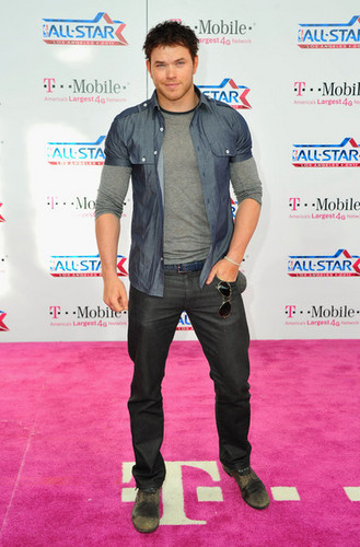 Kellan Lutz At The 2011 NBA All estrela Game