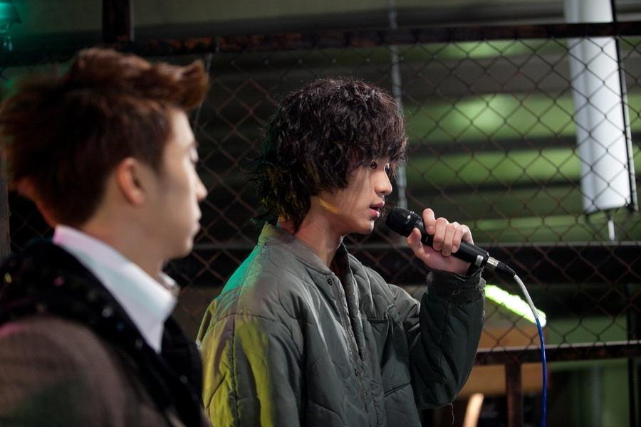 Kim Soo Hyun as Song Sam Dong
