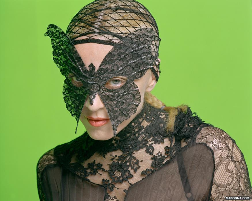 "Madonna ""Re-Invention Tour"" Photoshoot"